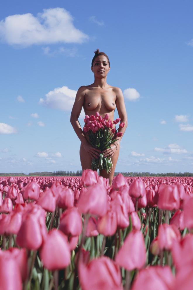 Buitenvrouwen.tulp.anneliesdamen
